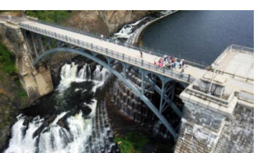 Tour atop Croton Dam